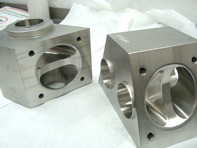 Mechanical polishing of stainless steel at MPE Limited